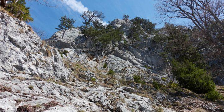 Steiler, schrofiger Aufstieg