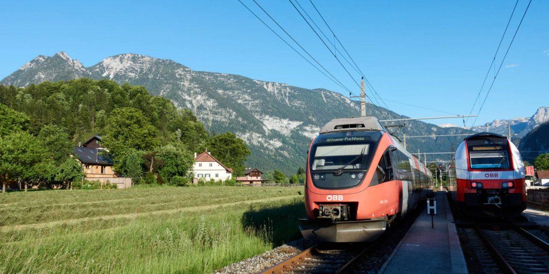 Bahnhof-Steeg mit Sarstein im Hintergrund