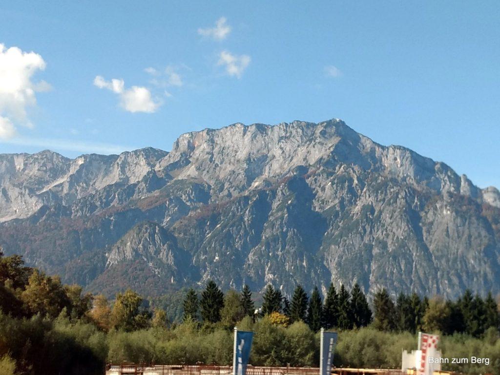 Der Untersberg vom Zug aus.