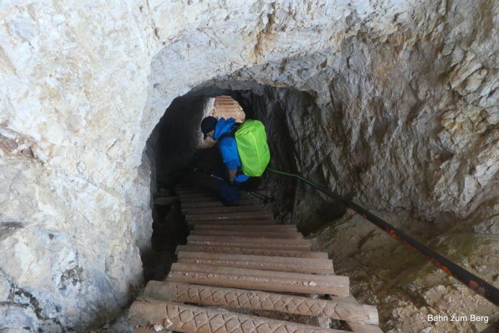 Durch die Tunnel hinunter. Foto: Didi