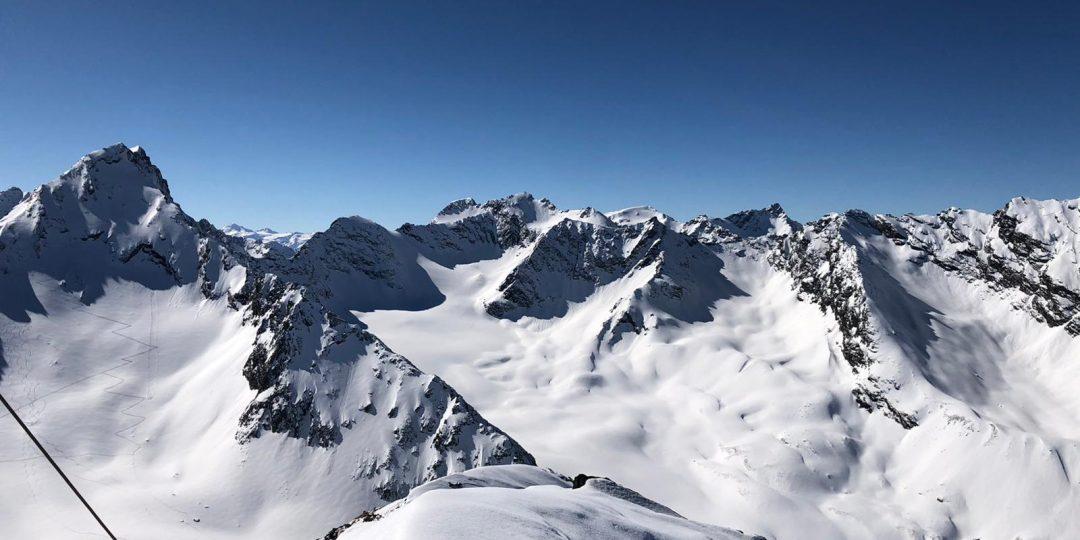 Gipfelpanorama. Foto: David Kurz